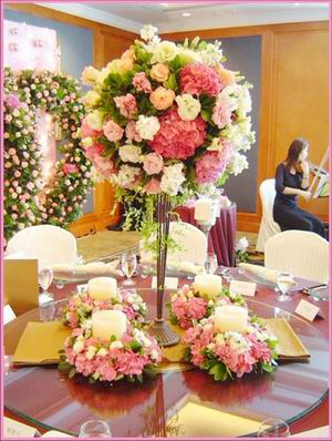 Romantic Wedding Table Flowers The Hairs