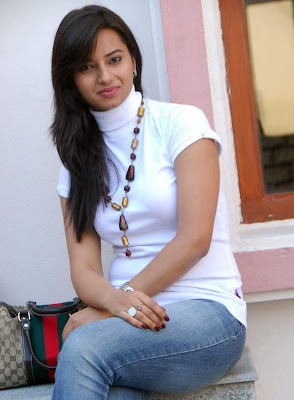 Isha Chawla photo