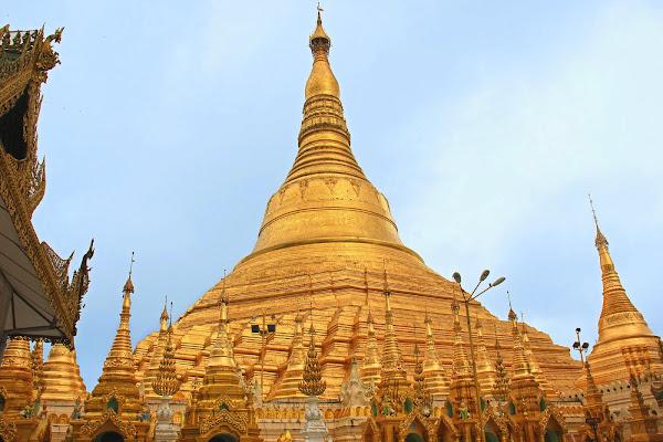 Pagoda Shwedagon en Rangun - Myanmar