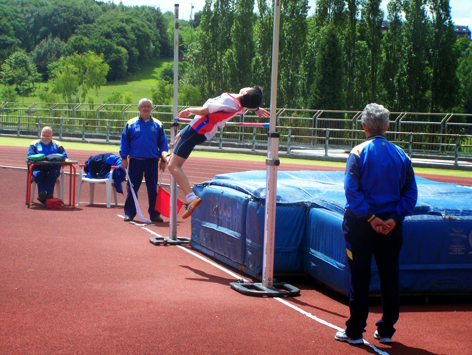Gijon atletismo 4 jornada benjamin alevin infantil y for Piscinas san lazaro oviedo