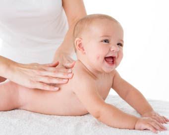 Memijat mampu membuat bayi nyaman