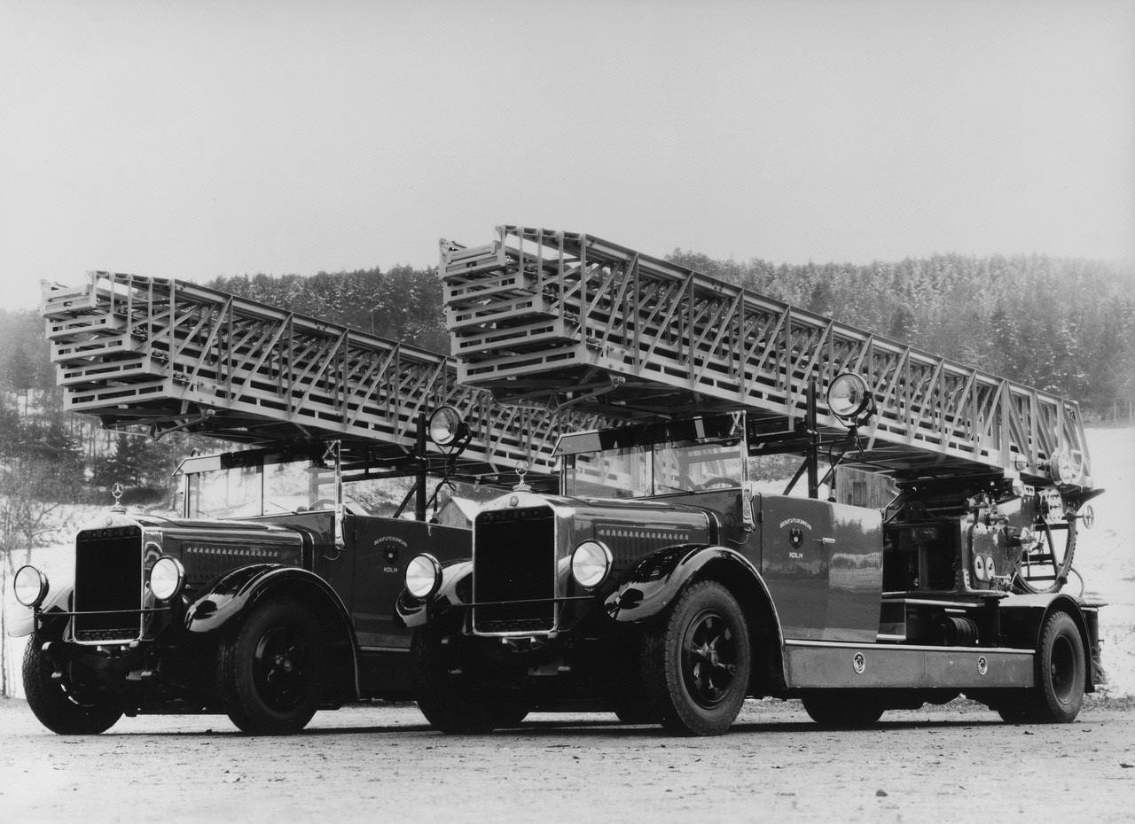 http://1.bp.blogspot.com/-BPbzAfPILHg/UBeoy-rpOjI/AAAAAAAAEZY/Y1H9GGL2BWs/s1600/wallpapers_mercedes-benz_l-series_trucks_1930_1.jpg