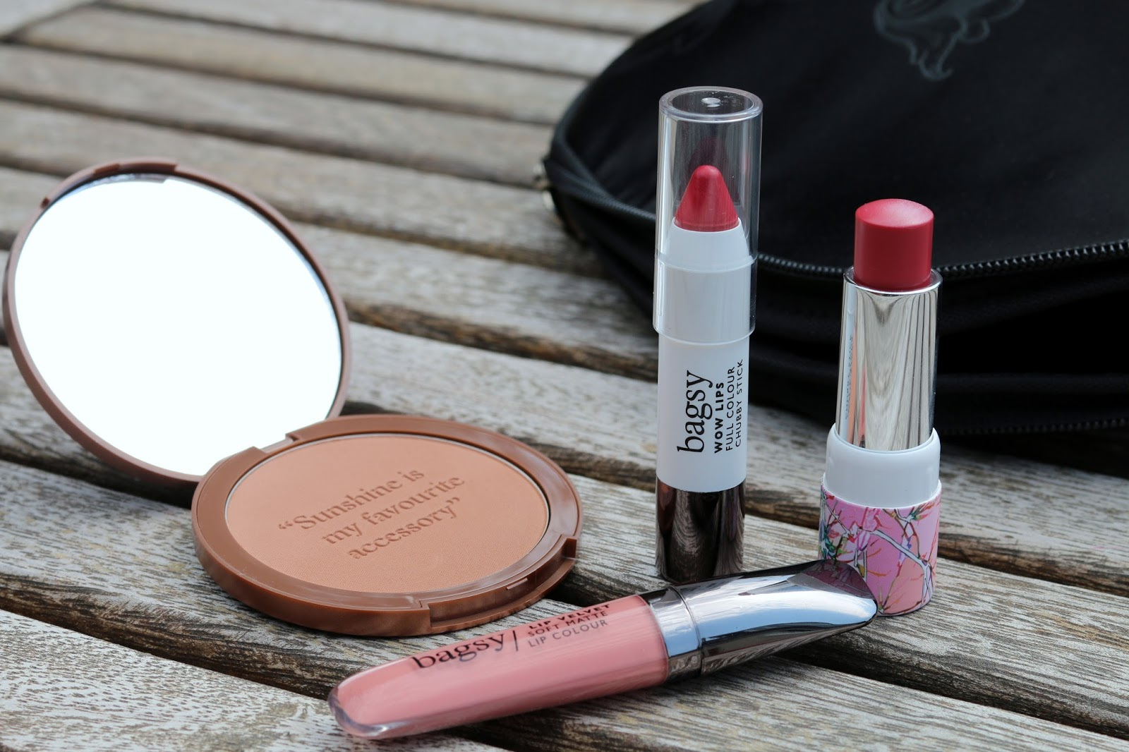 Bagsy Makeup, Makeup for your handbag