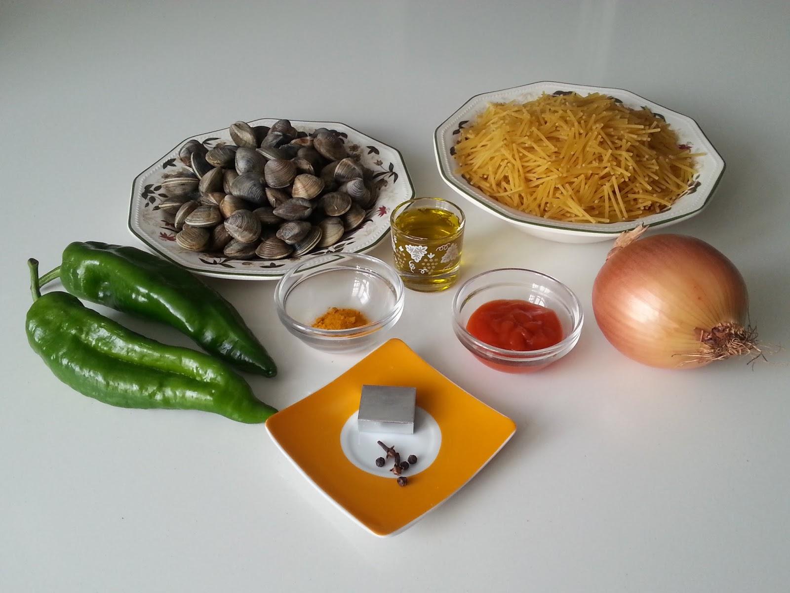 Fideos con almejas - Espaguetis con chirlas ...