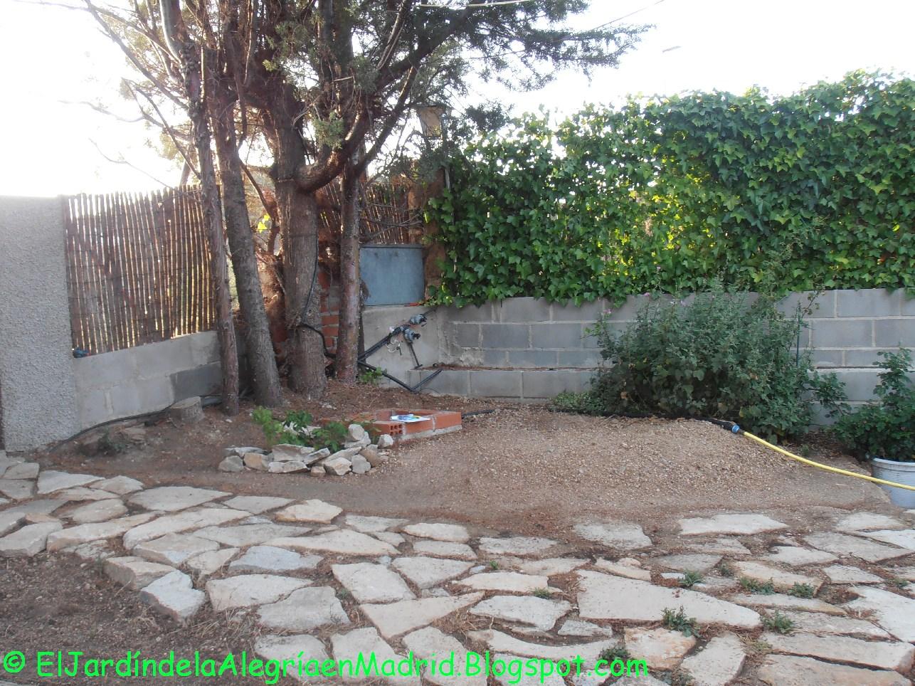 El jard n de la alegr a dise o y realizaci n de muros de - Arriate jardin ...