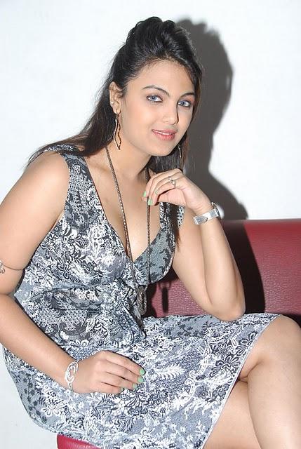 Priyanka Tiwari Hot Picturessola Con Mi Desesperaci 211 N