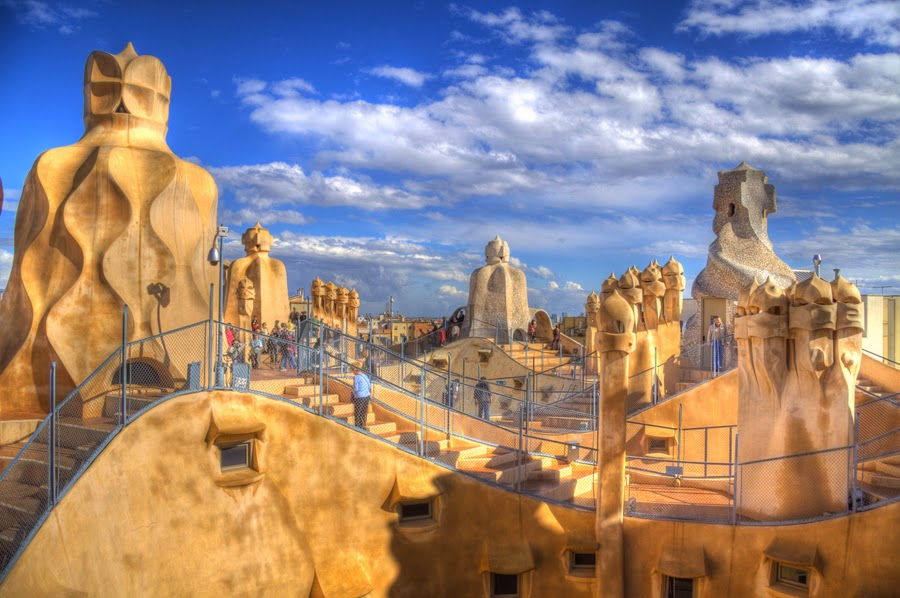 Every day is special june 25 antoni gaudi for Architecture gaudi