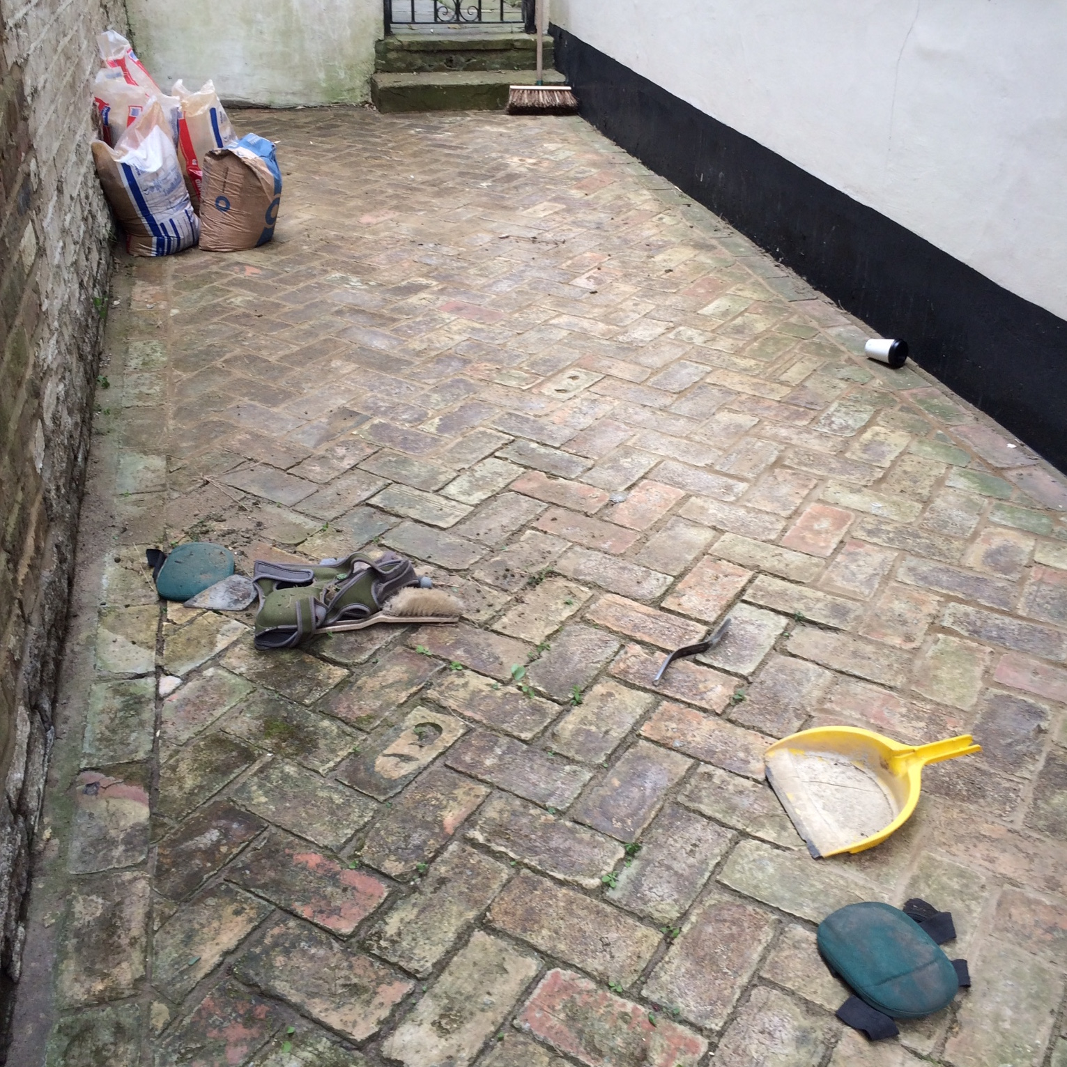 Hedgehoggs garden solutions services only for Patio cleaning solution