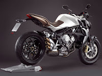 2013 MV Agusta Brutale 675 Motorcycle Photos 4
