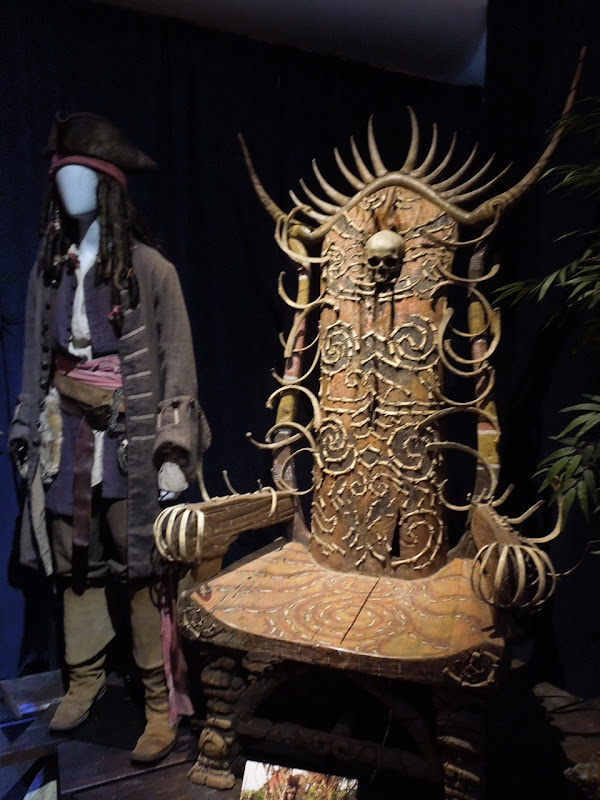 Pirates Caribbean Pelegostos Bone Throne prop