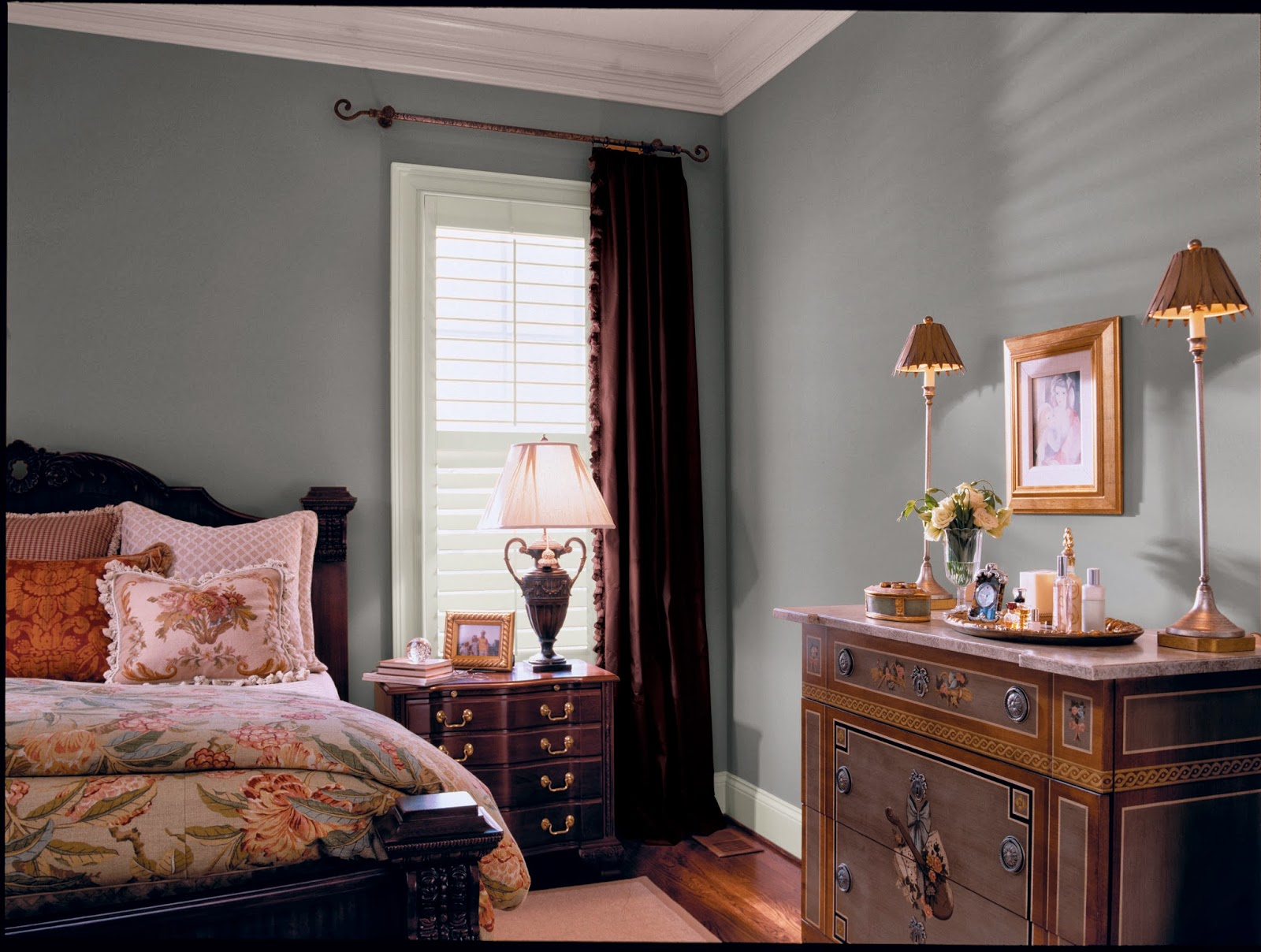 A perfect gray glidden 39 s best gray paint colors for Best bedroom colors for small rooms