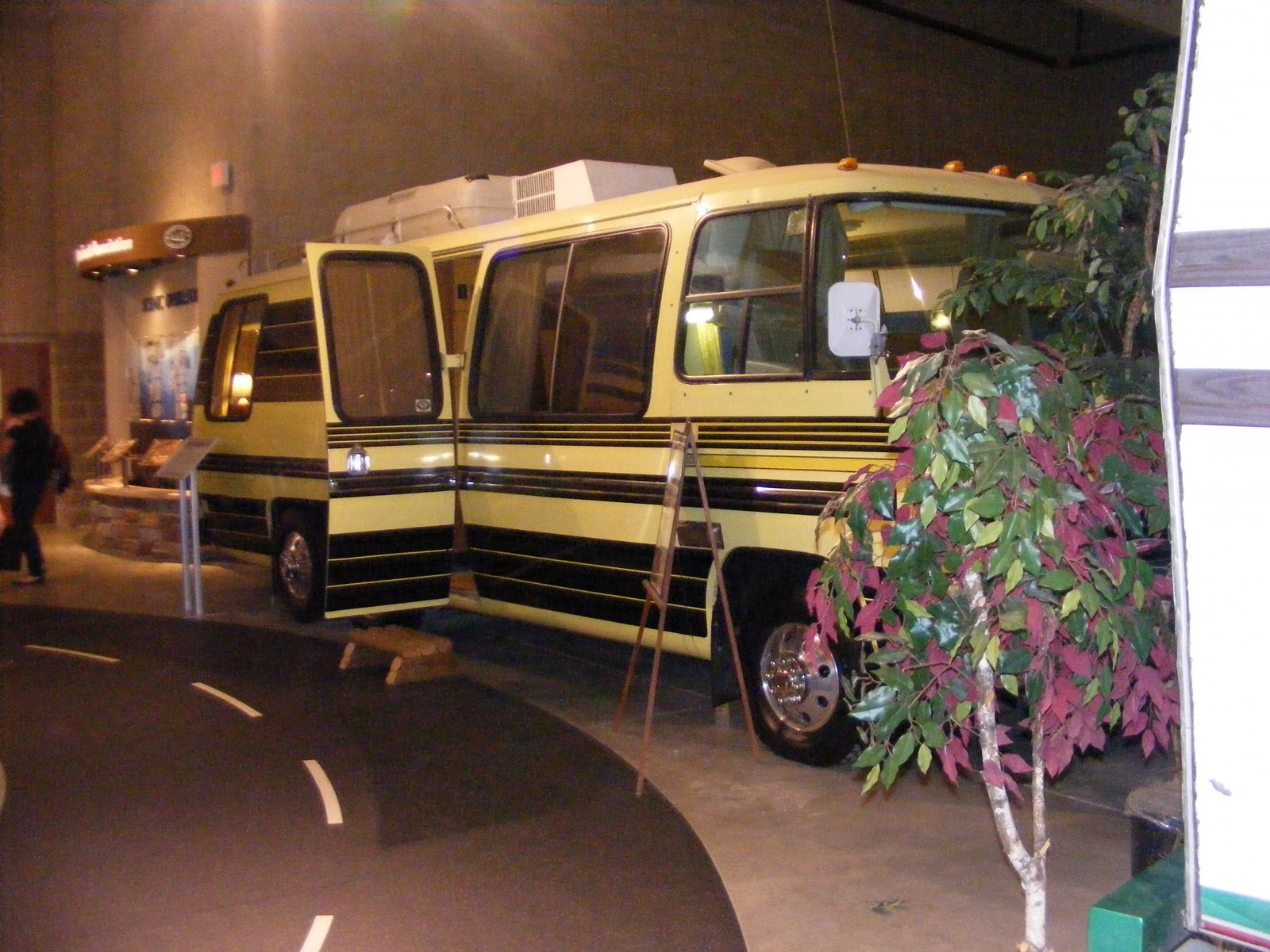 Beautiful Rv Mh Hall Of Fame Airstream Motorhome Photo 11