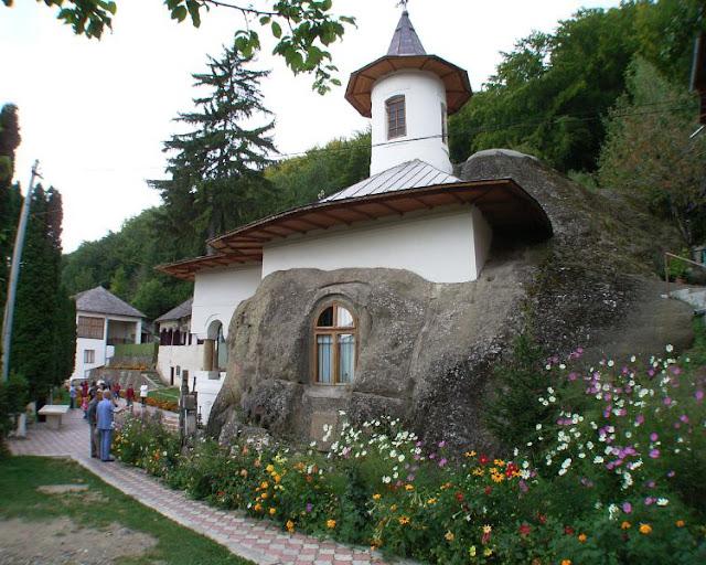 Namaiesti monastery - Romani