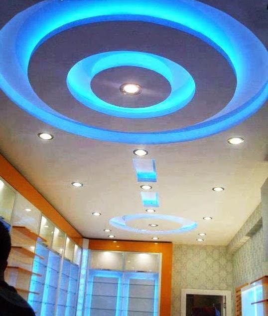 Salon marocaine moderne d coration plafond suspendu lumineux for Decoration plafond interieur