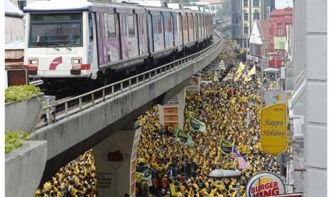 Mahathir Mohammad Gabung Demonstran Turunkan Najib Razak