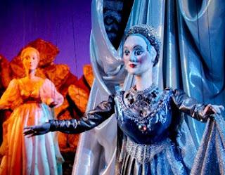 representación en el teatro de las marionetas