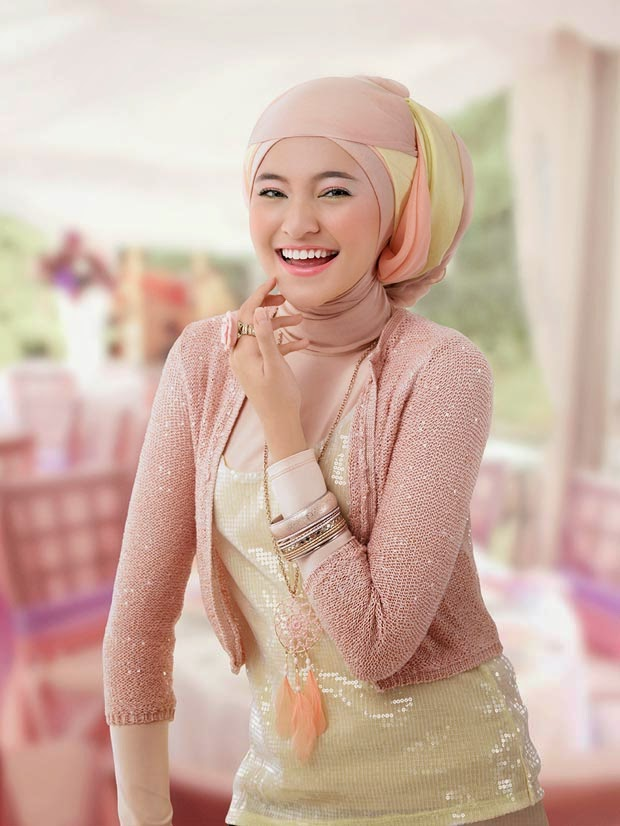 Hijab cantik ala Marshanda