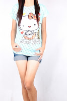 kaos biru muda hello kitty