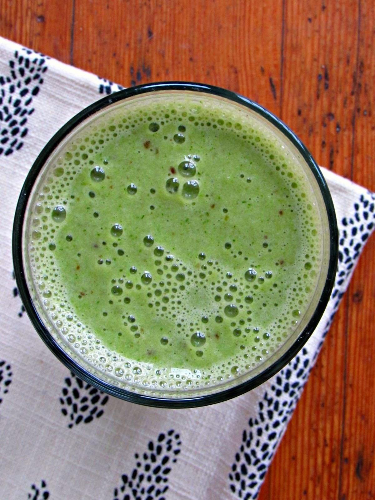 http://www.chicagojogger.com/2015/03/healthy-mint-breakfast-milkshake.html