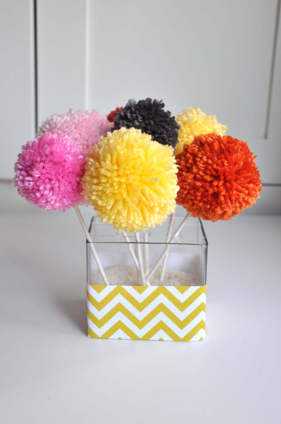 aesthetic nest craft yarn pom pom bouquets tutorial