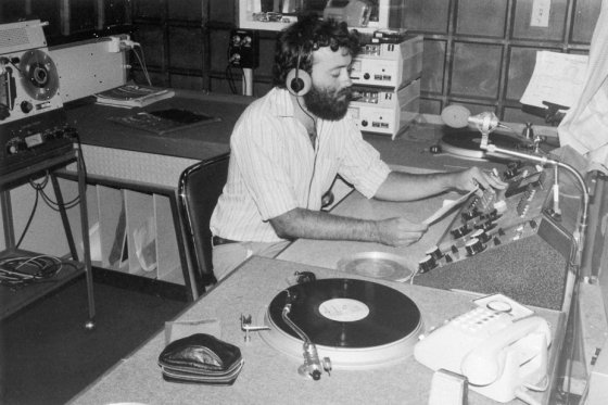 The History Of Radio Term paper