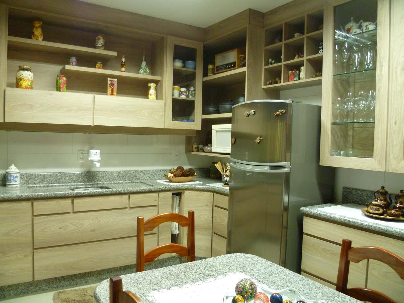 Vivian Rizzon: Cozinha em tom madeirado #9A7131 1417 1063