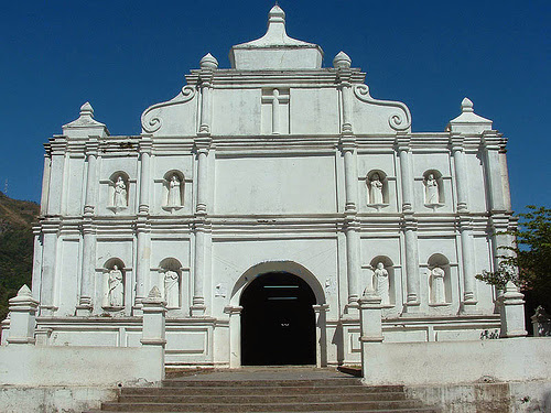 Otra vista de la Iglesia de Panchimalco