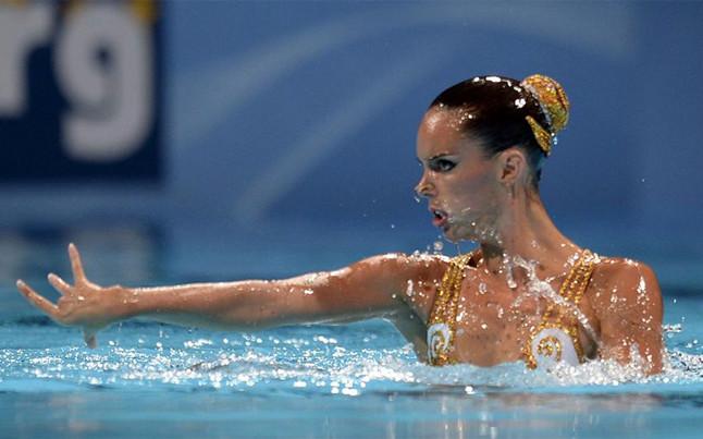 Educaci n f sica y cultura f sica nataci n sincronizada for Descuidos en la piscina