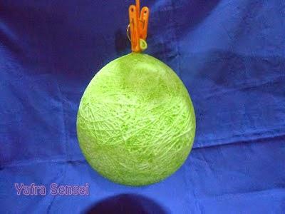Asiknya Membuat Lampion Cantik dari Balon 7