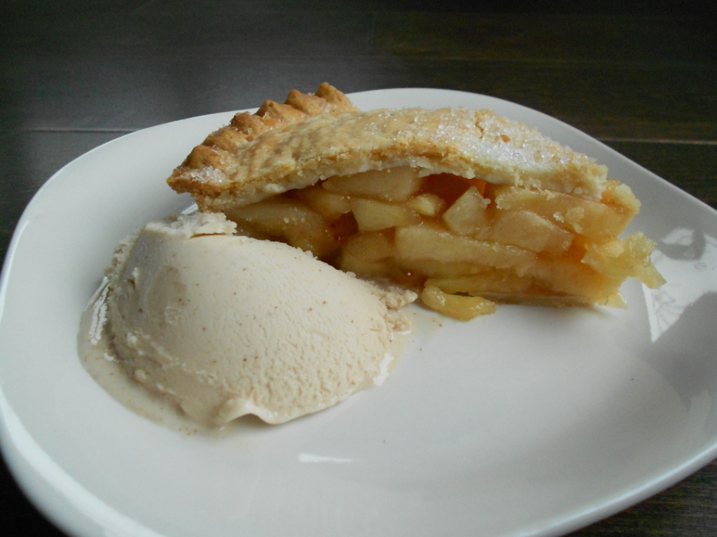 Warm Apple Pie With Ice Cream
