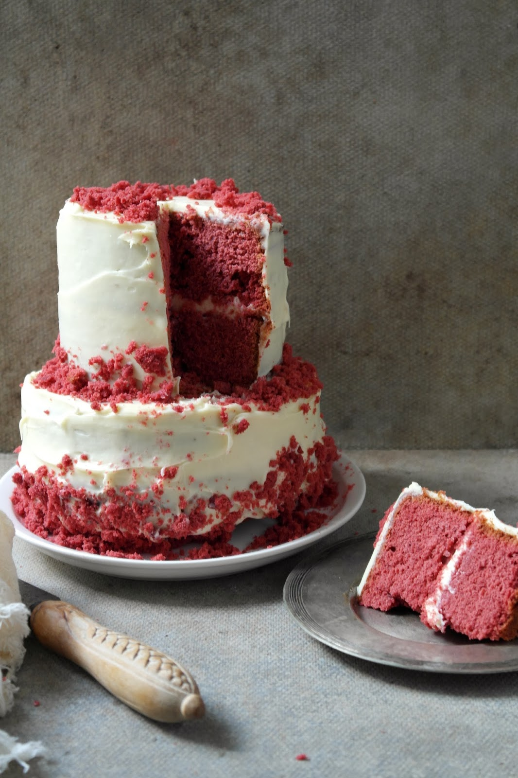 red velvet cake with white chocolate cream cheese frosting ...