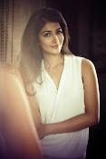 pooja hegde latest glamorous photos-thumbnail-8