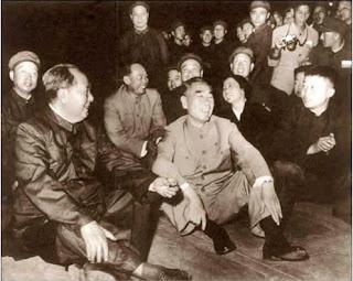 """""""Como no analizar el caso Lin Biao 2 - Comentarios a una Nota del PC de Bolivia m-l-m"""" - texto publicado en marzo de 2013 por el blog Crítica Marxista-Leninista Mao+y+Zhou+-+1966"""