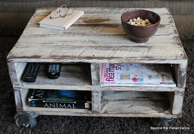 pallet, furniture, salvaged wood, family room, beyond the picket fence, http://bec4-beyondthepicketfence.blogspot.com/2013/04/magazine-pallet-table.html