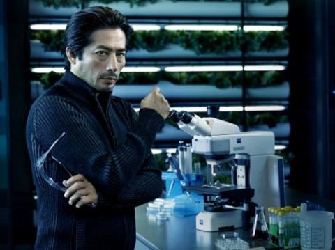DR. HATAKE (HIROYUKI SANADA)