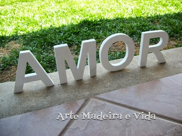 letras em madeira amor