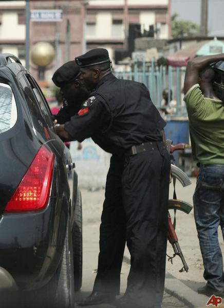 nigerian police officers jailed