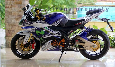modifikasi R15 movistar yamaha