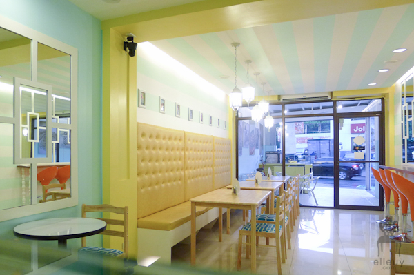 ice cream shop interior, teal and yellow shop, kreamy island