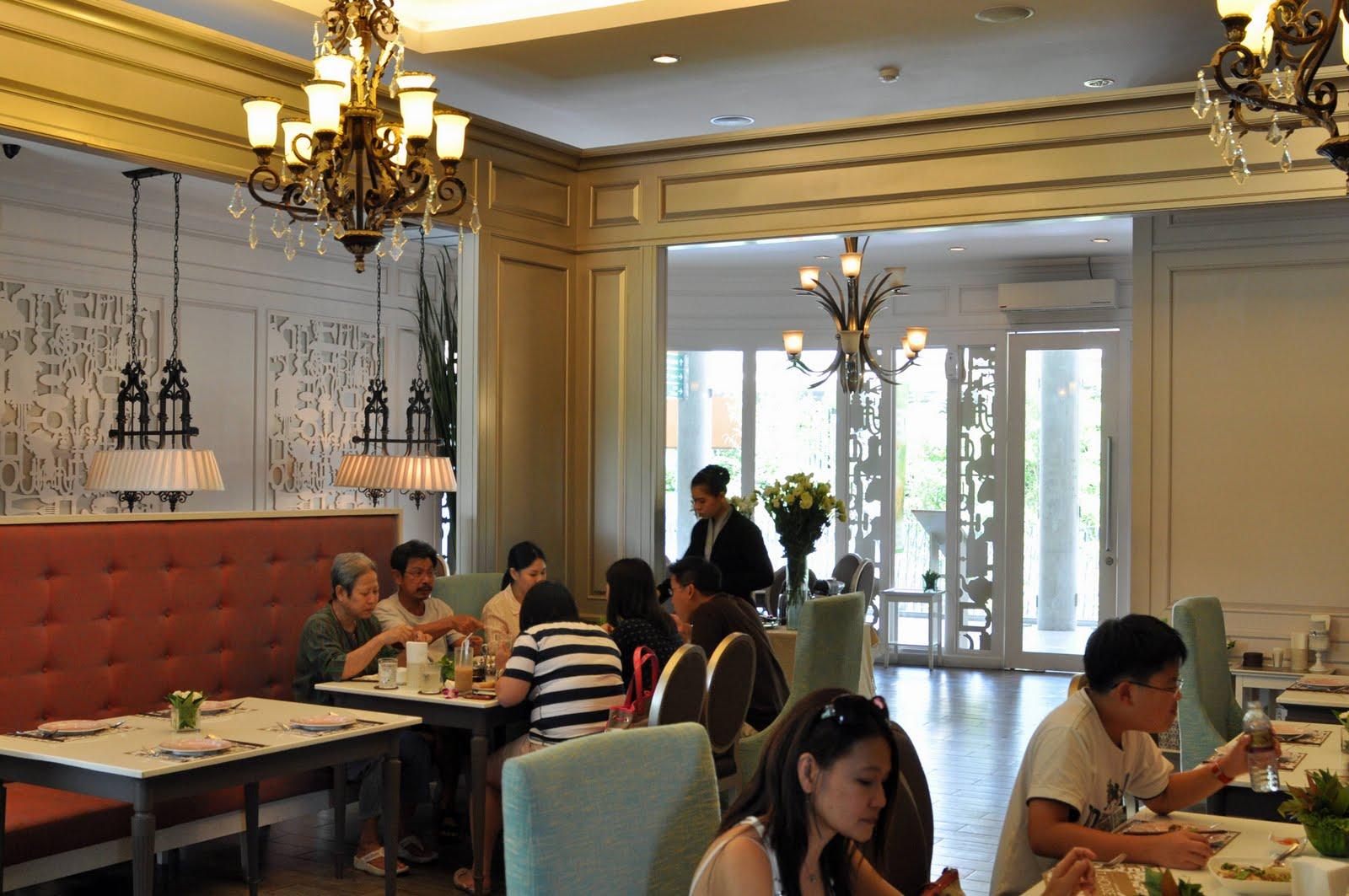Bangkok lunch at t house vietnamese thai restaurant
