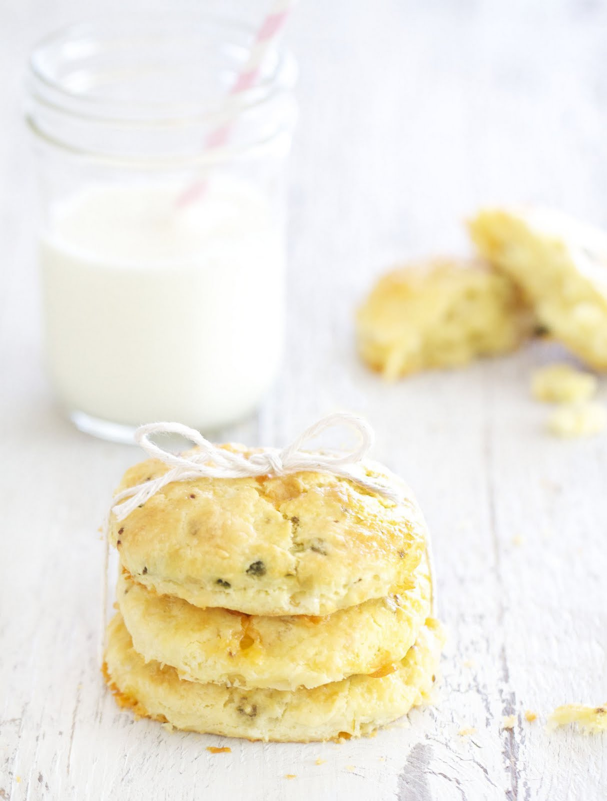 Epicurean Mom: Jalapeno Cheddar Scones