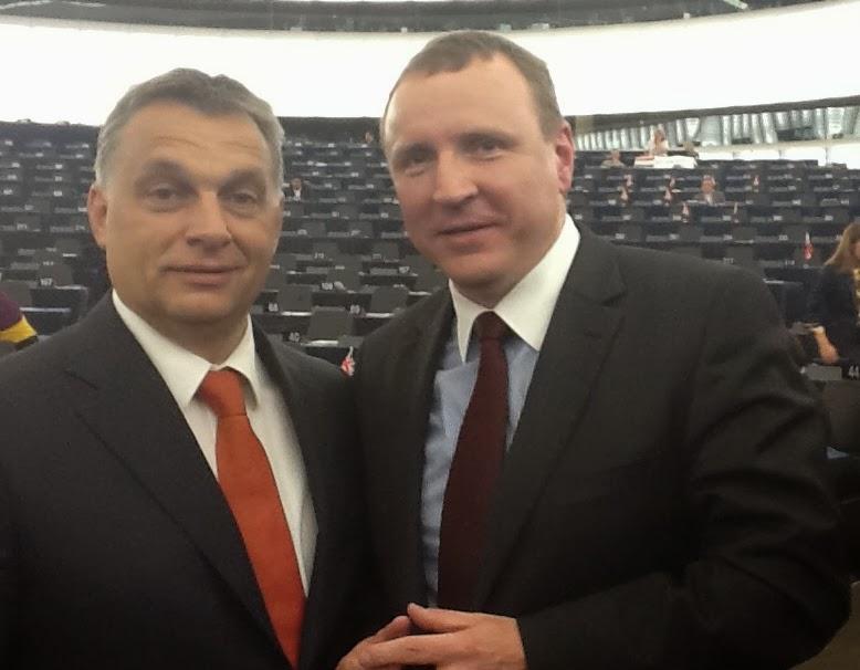 Jacek Kurski i Victor Orban.