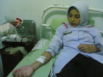 Perawat Sejati Gak Takut Dengan Yang Namanya Pocong! [ www.BlogApaAja.com ]