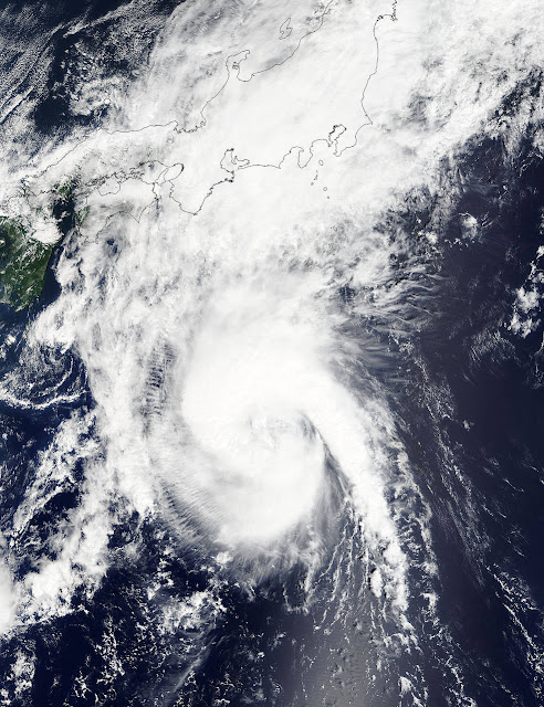 Nearly 100,000 evacuated as Typhoon Etau aims for Japan  Etau.a2015251.0130.1km