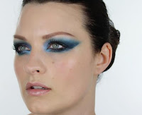 blue eyes makeup looks