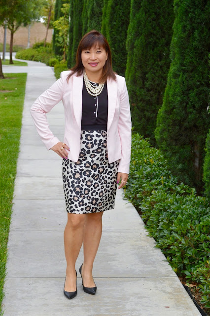 Over 40 Fashion, OC blogger, Office Style