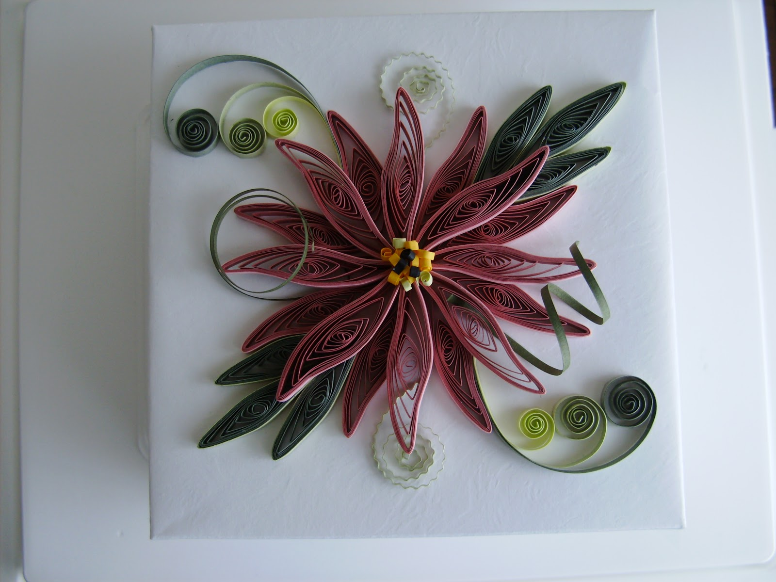 Paper filigree art quilling for Quilling paper art