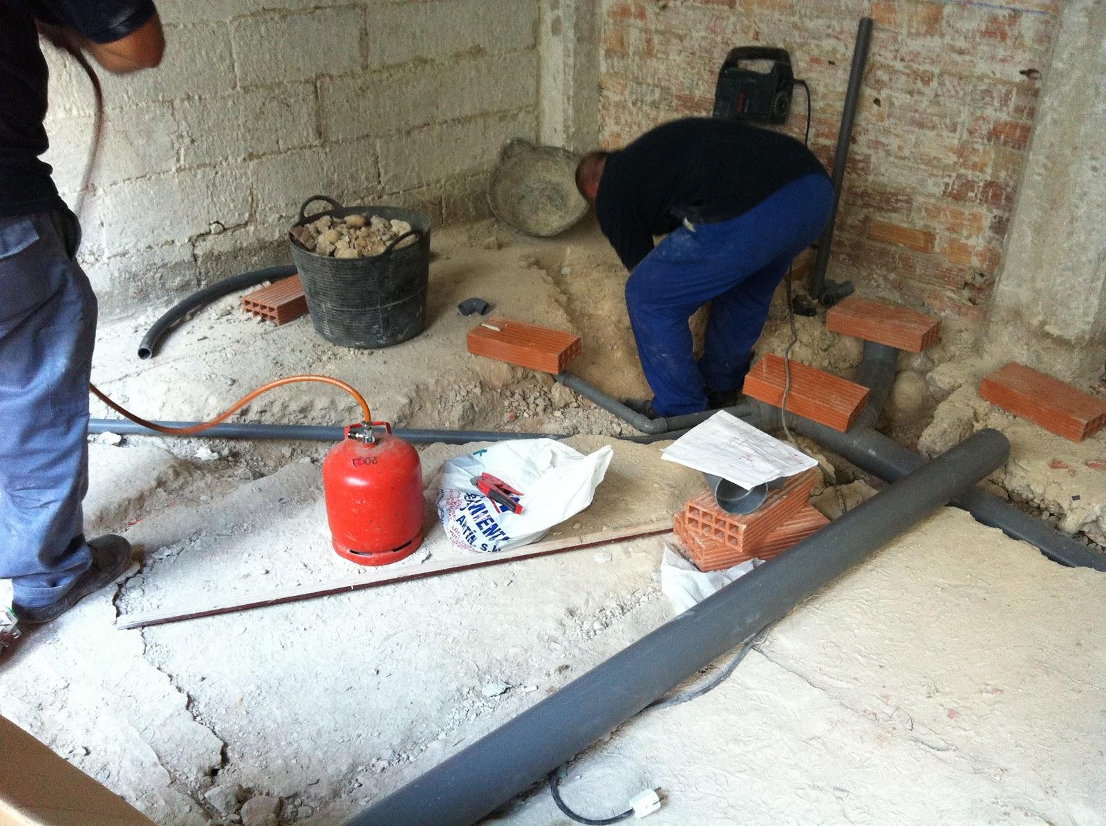 Realizando trabajos de fontaneria escuela taller la for La proveedora de fontaneria
