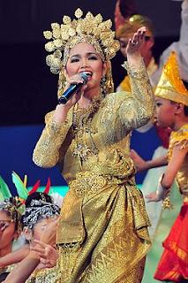 Siti Nurhaliza - Joget Senyum Memikat MP3