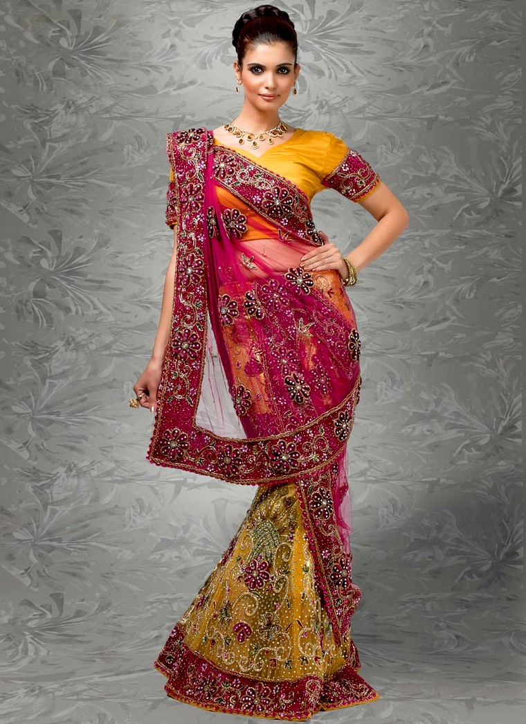 Bridal Mehndi Sarees : Mehndi occasion bridal lehenga for
